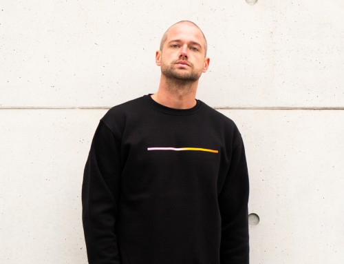 LOOK THROUGH THE SLIT | Sweatshirt by Raws